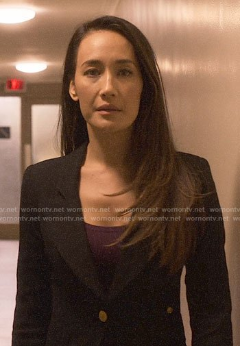 Hannah's black blazer on Designated Survivor