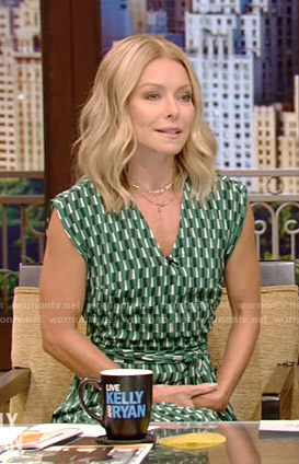 Kelly's green geometric print dress on Live with Kelly and Ryan