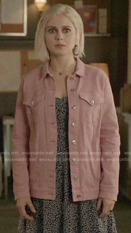 Liv's pink oversized denim jacket on iZombie