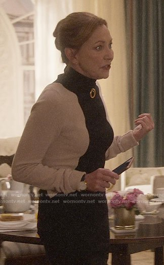 Lorraine's colorblock turtleneck sweater on Designated Survivor