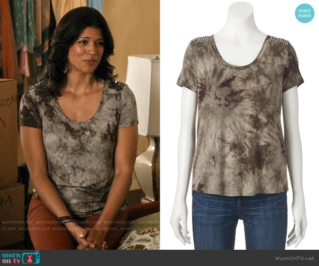 Rock & Republic Studded Tie-Dye Tee worn by Xiomara Villanueva (Andrea Navedo) on Jane the Virgin