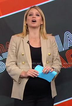 Sara's beige blazer on GMA Strahan And Sara