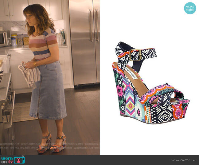 Winonna Wedge Sandal by Steve Madden worn by Judy Hale (Linda Cardellini) on Dead to Me