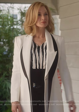 Anne's white contrast lapel blazer on What/If