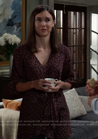 Willow's floral tie-front tunic on General Hospital