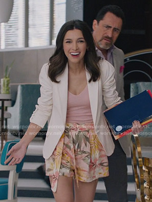 Alicia's floral belted shorts on Grand Hotel