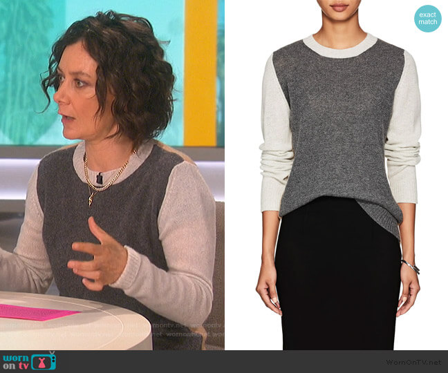 Colorblocked Cashmere Sweater by Barneys New York worn by Sara Gilbert  on The Talk