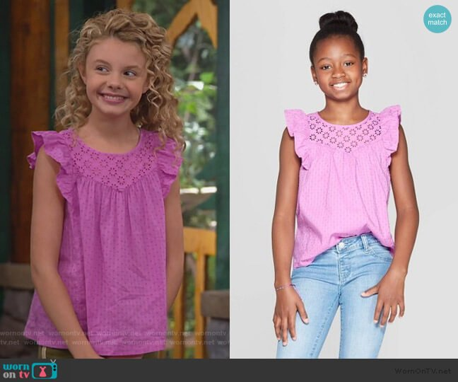 Woven Eyelet Top by Cat & Jack worn by Destiny Baker (Mallory James Mahoney) on Bunkd