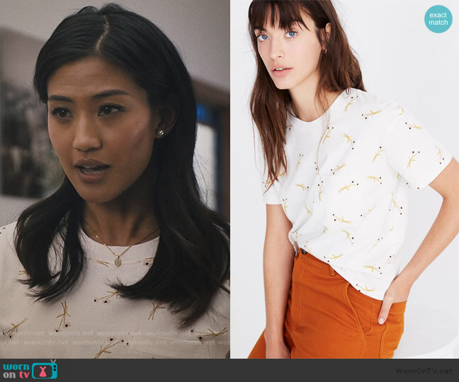 Easy Crop Tee in Daisy Sketch by Madewell worn by April (Alisa Allapach) on Light as a Feather