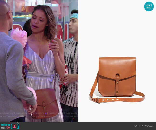 Madewell The Brisbane Crossbody Bag worn by Elena Dawson (Brytni Sarpy) on The Young & the Restless