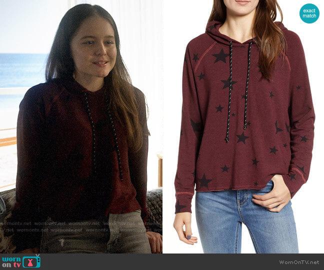 Sundry Star Print Crop Hoodie worn by Matty Ross (Izabela Vidovic) on Veronica Mars