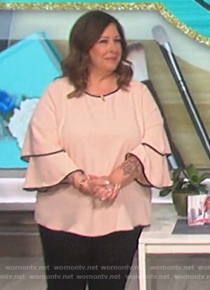 Carnie Wilson's bell sleeve top on The Talk