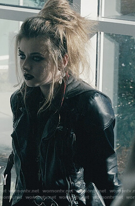Beth's hooded leather jacket on Scream