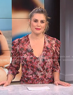 Carissa's pink printed ruched dress on E! News