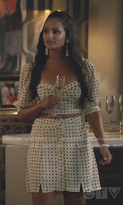 Carolina's white heart print cropped top and skirt on Grand Hotel