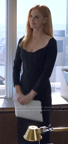 Donna's black long sleeved dress on Suits