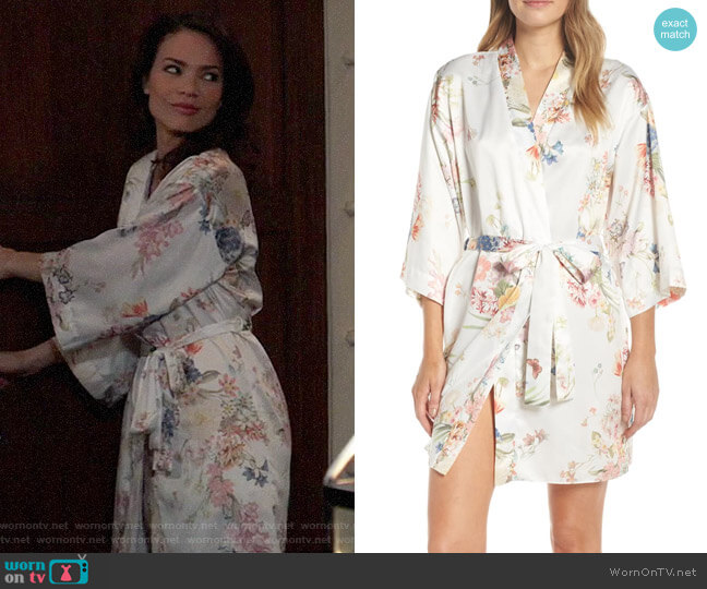 Flora Nikrooz Petra Short Robe worn by Elizabeth Webber (Rebecca Herbst) on General Hospital