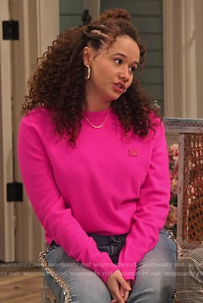 Jade's pink face sweater on Family Reunion