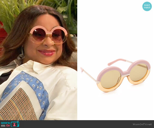 Karen Walker Hollywood Pool Sunglasses worn by Raven Baxter (Raven-Symoné) on Ravens Home