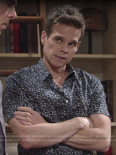 Kevin's geometric print shirt on The Young and the Restless