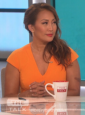 Carrie's orange v-neck sheath dress on The Talk