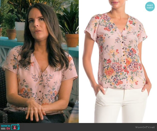 Rebecca Taylor Marlena Floral Short Sleeve Blouse worn by Luisa Alver (Yara Martinez) on Jane the Virgin