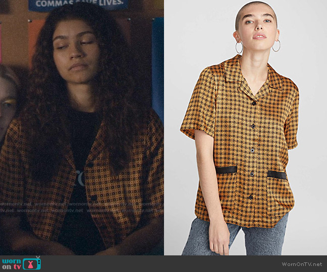 Stussy Geometric Short Sleeve Shirt worn by Rue Bennett (Zendaya) on Euphoria