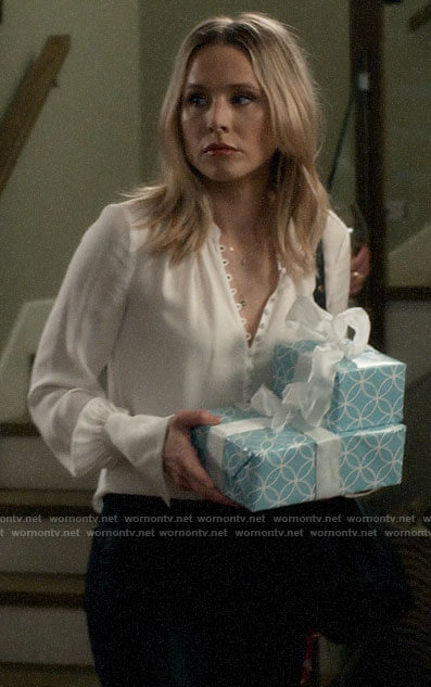 Veronica's white loop button blouse on Veronica Mars