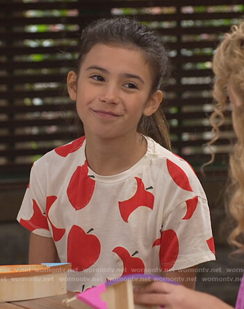 Gwen's white apple print tee on Bunkd