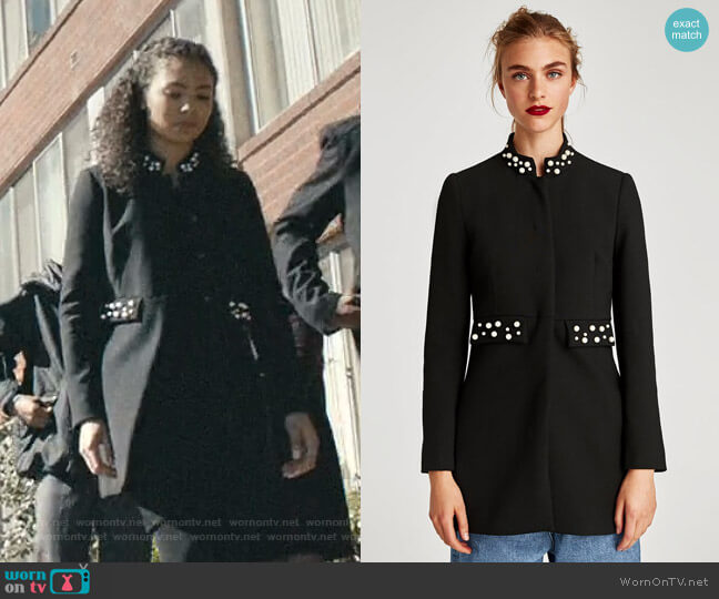 Frock Coat with Faux Pearls by Zara worn by Olivia Reynolds (Jessica Sula) on Scream