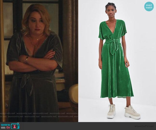 Green Velvet Tie Dress by Zara worn by Emma Hunton on Good Trouble worn by Davia (Emma Hunton) on Good Trouble