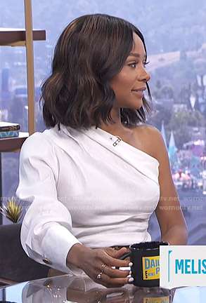 Zuri's white one-shoulder top on E! News Daily Pop