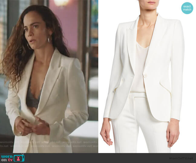 Grain de poudre wool blazer by Alexander McQueen worn by Teresa Mendoza (Alice Braga) on Queen of the South