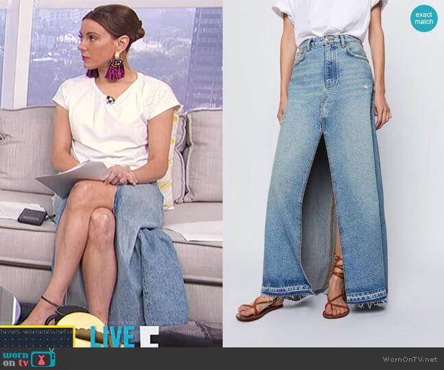 Denim Skirt with Slit by Zara worn by Melanie Bromley  on E! News