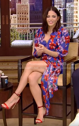 Jenna Dewan's blue floral asymmetric dress on Live with Kelly and Ryan