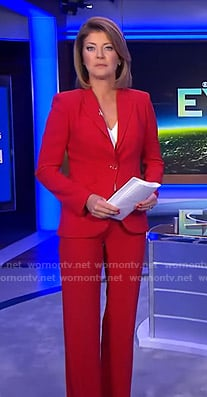 Norah's red suit on CBS Evening News
