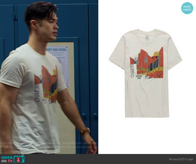 Natural Big Bend Sunset T-shirt by Parks Project worn by Zach Dempsey (Ross Butler) on 13 Reasons Why