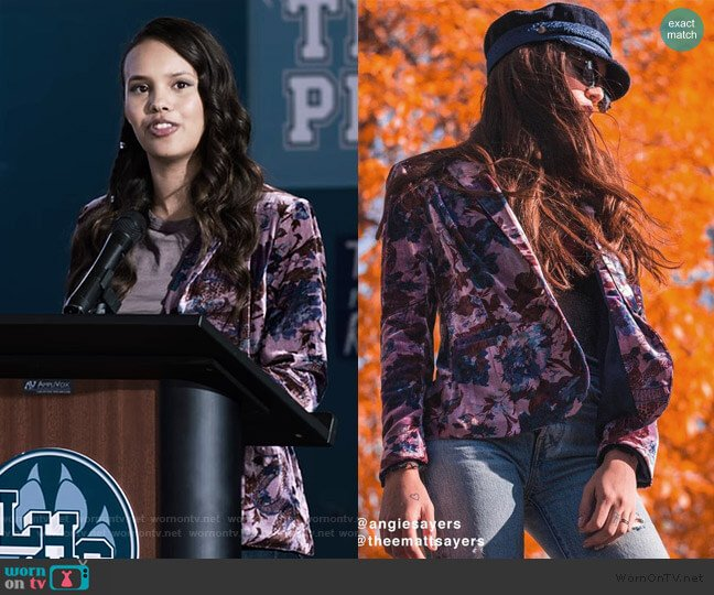 Morris Floral Velvet Blazer by Urbarn Outfitters worn by Jessica Davis (Alisha Boe) on 13 Reasons Why