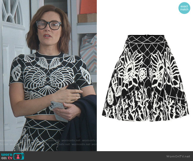 Jacquard Skirt by Alexander McQueen worn by Quinn (Laura Benanti) on Younger