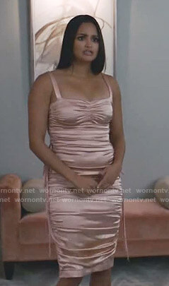 Carolina's pink satin ruched dress on Grand Hotel