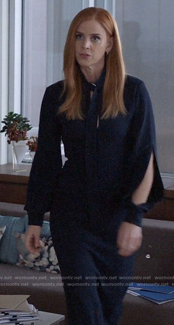 Donna's navy split sleeve dress with buckled neck on Suits