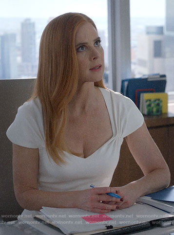 Donna's white cap sleeve dress on Suits