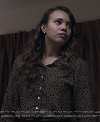 Jessica's green leopard blouse on 13 Reasons Why
