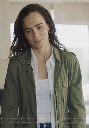 Teresa's green utility jacket on Queen of the South