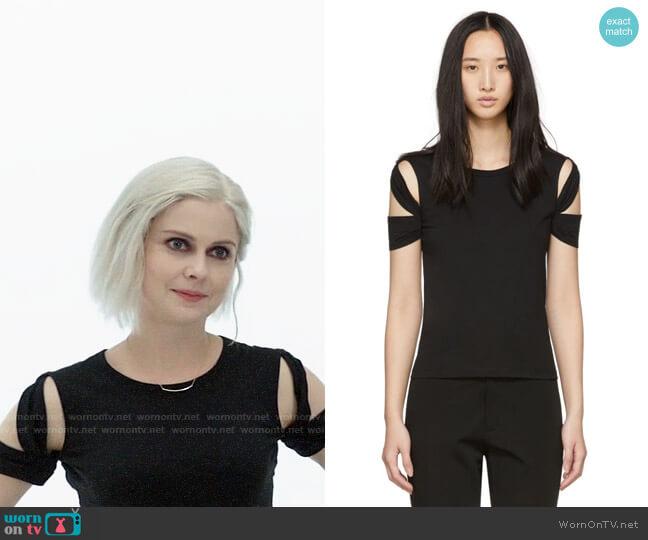 Helmut Lang Bondage Sleeve T-shirt worn by Liv Moore (Rose McIver) on iZombie