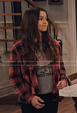 Nick's pink plaid peplum shirt and Desert Vibes tee on No Good Nick