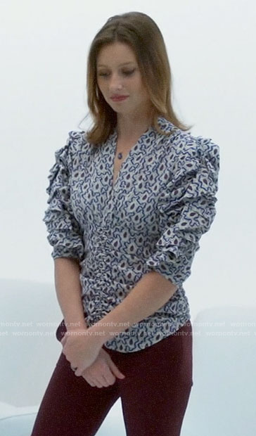 Peyton's abstract print puff sleeve top on iZombie