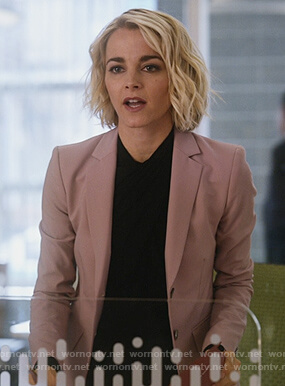 Lizzie's pink blazer on Instinct