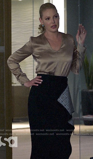 Samantha's black draped skirt on Suits