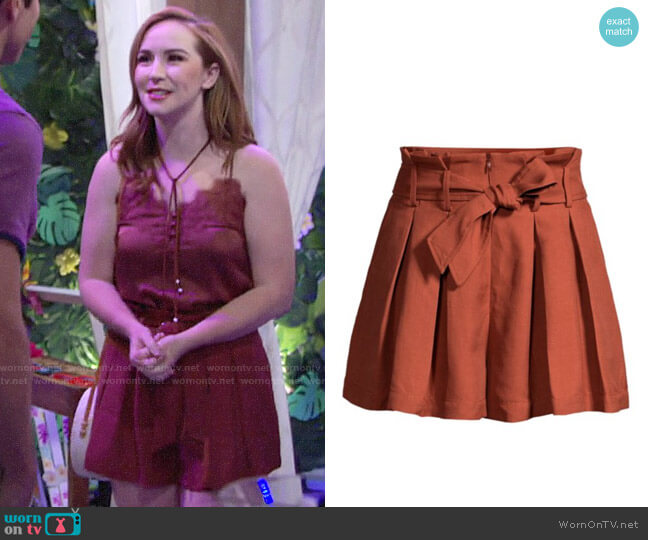 Sandro Eddi Shorts worn by Mariah Copeland (Camryn Grimes) on The Young & the Restless